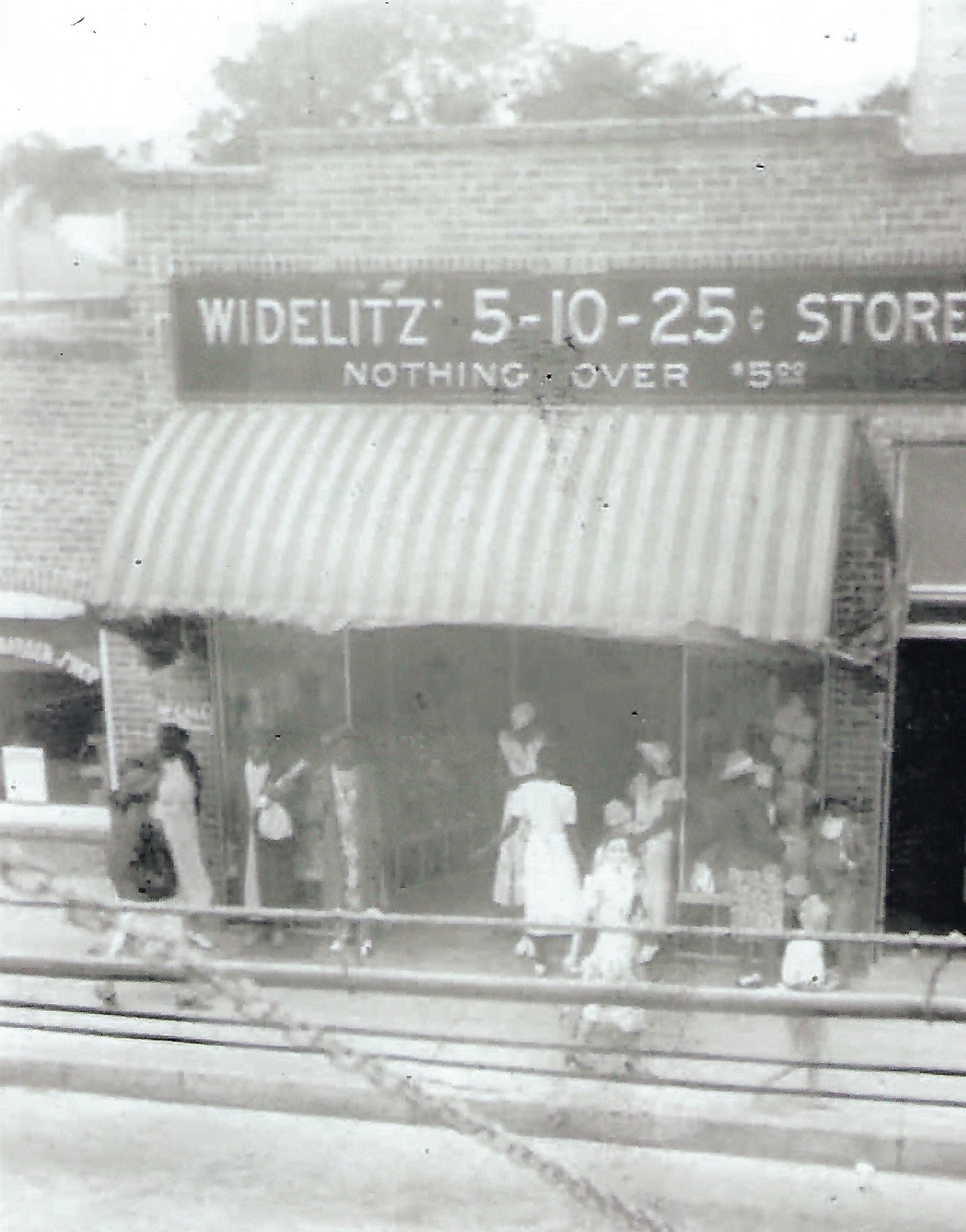 St_George_Widelitz_Department_Store_2